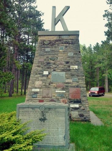 kiwanis monument (759x1024)