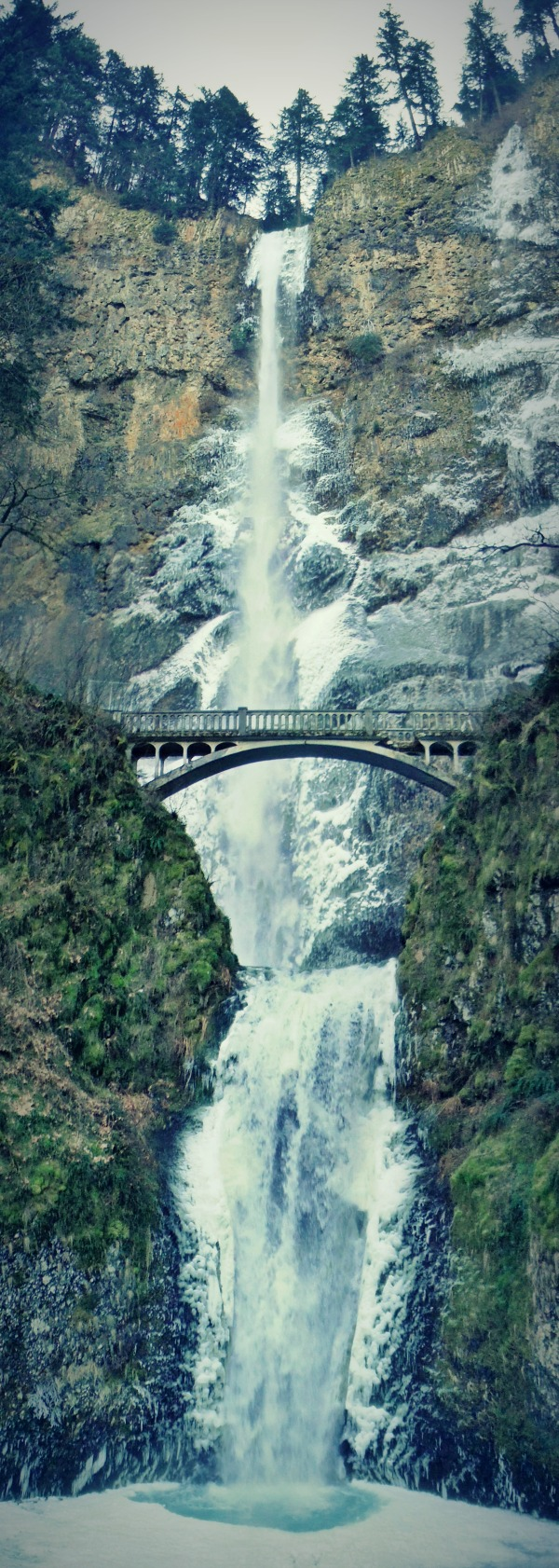 Adventure Just Outside of Portland: Multnomah Falls in the Winter