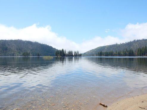 Beautiful day on Lake Eleanor, Yosemite